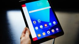 Samsung Goes Tablet Crazy at MWC