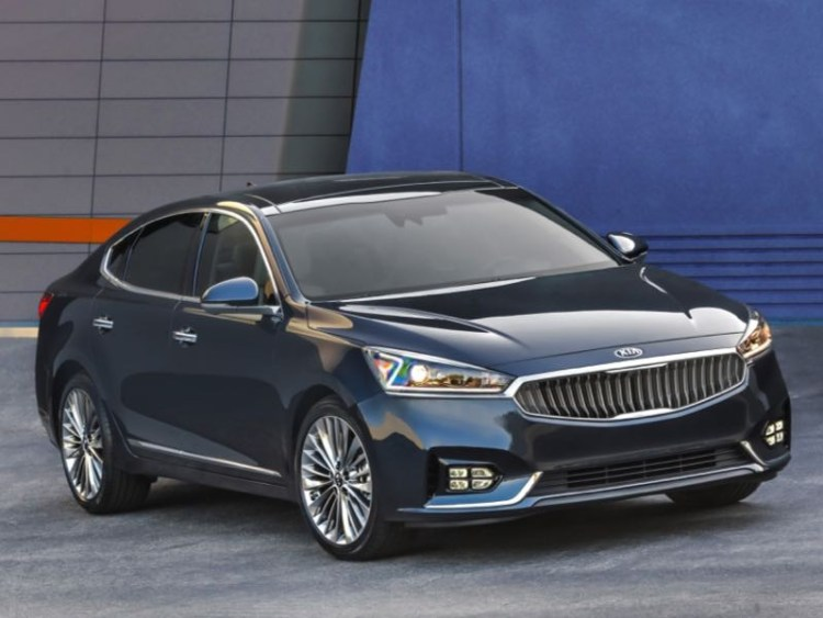2017 Kia Cadenza is Big on What Matters Most in a Sedan  2017 Kia Cadenza is Big on What Matters Most in a Sedan  2017 Kia Cadenza is Big on What Matters Most in a Sedan  2017 Kia Cadenza is Big on What Matters Most in a Sedan