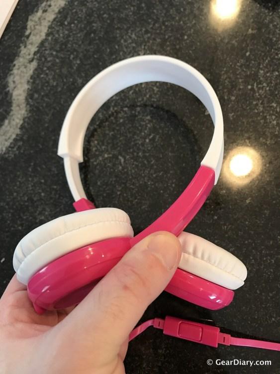 BuddyPhones are Impressive Volume Limiting Headphones for Kids