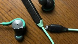 GearDiary BeMe D200 ANC Compatible Lightning Earbuds Offer Great Music With Style