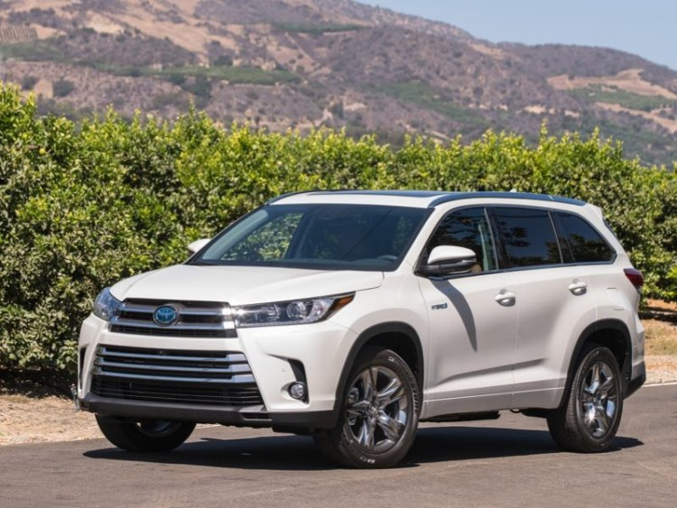 2017 Toyota Highlander Hybrid Is Toyota's Best Family Utility Vehicle Yet