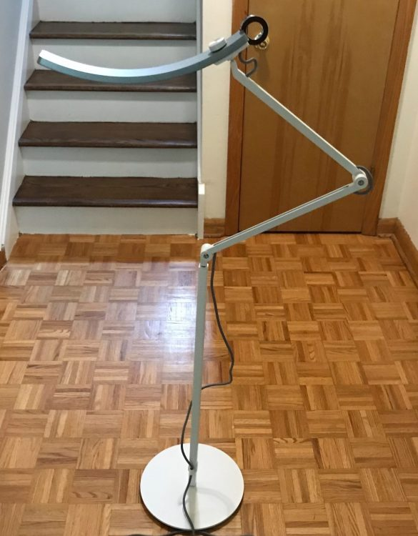 BenQ e-Reading Lamp Floor Stand Extension Turns a BenQ Desk Lamp Into Something Even Better