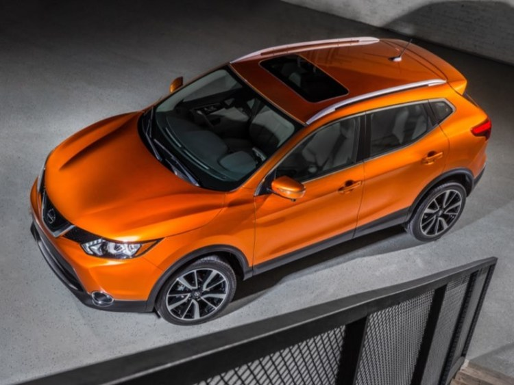 2017 Nissan Rogue Sport Is a Right-Sized Compact Cute Ute
