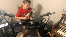 The Yamaha DTX400K Electronic Drum Set Really Rocks!