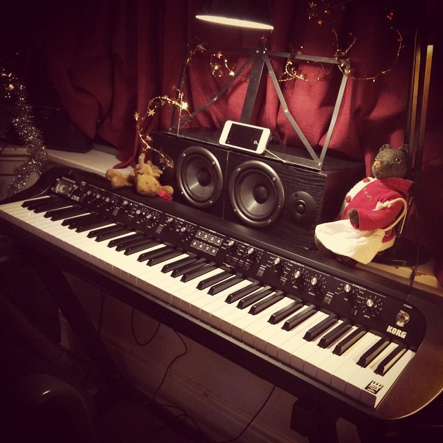 korg sv 1 the vintage digital piano that hits every button geardiary. Black Bedroom Furniture Sets. Home Design Ideas