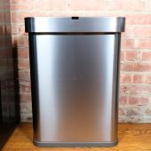 Simplehuman Lets You Talk to Your Trash Can, and It's Amazing