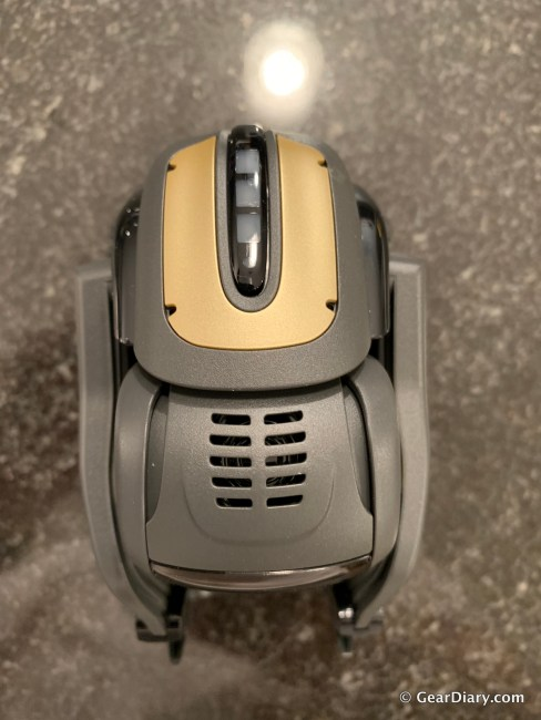 Anki Vector is the Expressive Pet Robot Who Is Here to Help