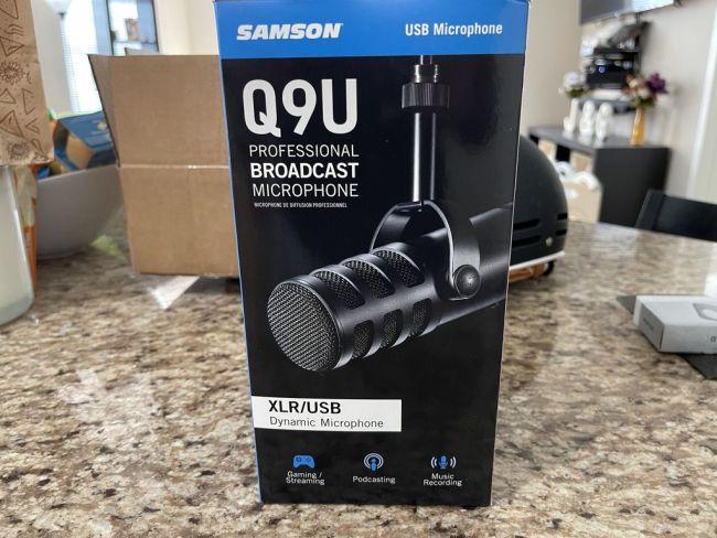 Samson Q9U Professional Broadcast Microphone