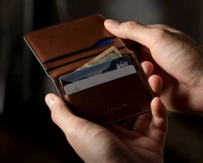 The Nomad Card Wallet Plus