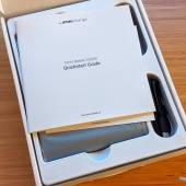 Inside the OmniCharge Omni Mobile 25600 box