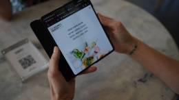 Using the Samsung Galaxy Z Fold3 folding smartphone