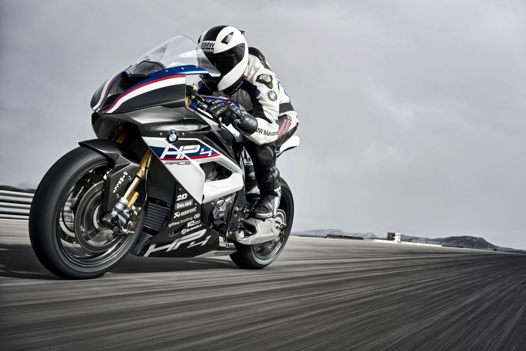A Carbon Fiber Motorcycle – It Was Just a Matter of Time: The BMW HP4 Race