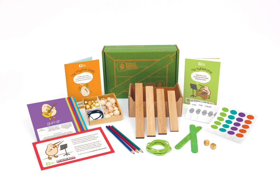 KIWI Crate – The Solution to Keep Those Kids Busy With STEAM Activities