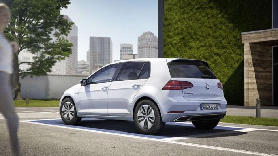 Volkswagen EGolf: Everybody's Favorite Hot Hatch Goes Electric