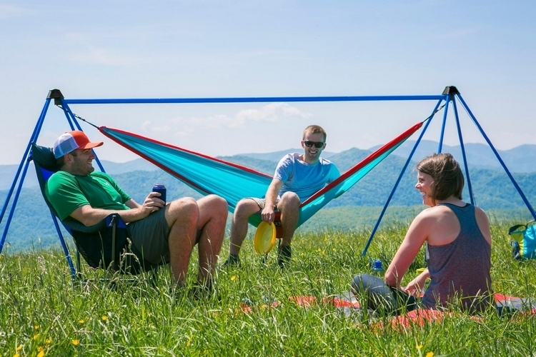 ENO Nomad Lets You Camp in a Hammock – Without Trees, or a Car