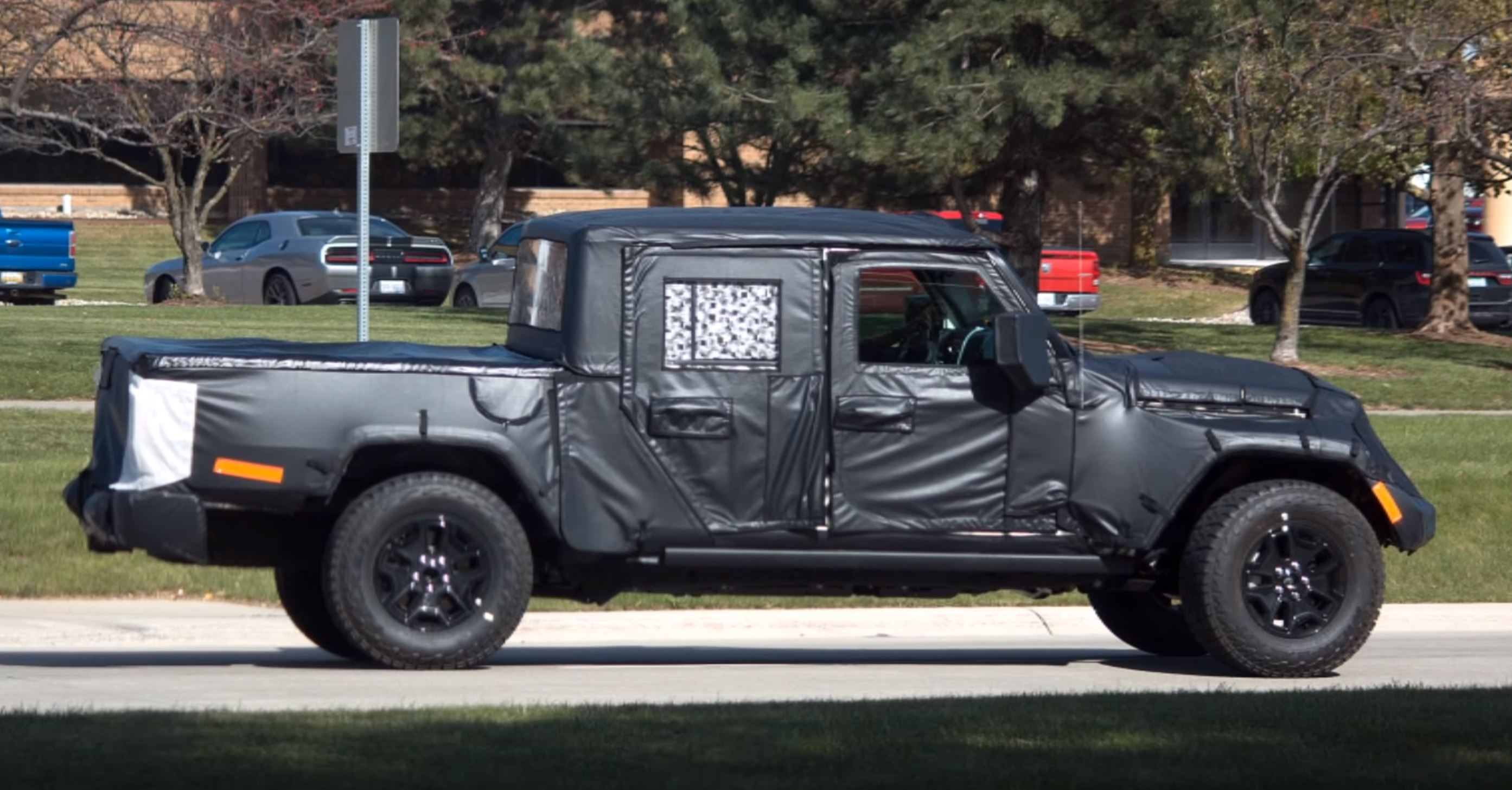 Jeep Scrambler Spotted 2019