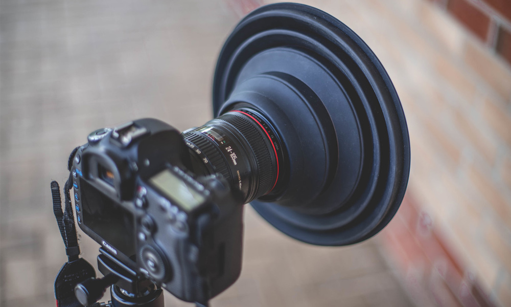 ULH: The Ultimate Lens Hood So You Can Take Pictures Through Glass Without The Glare