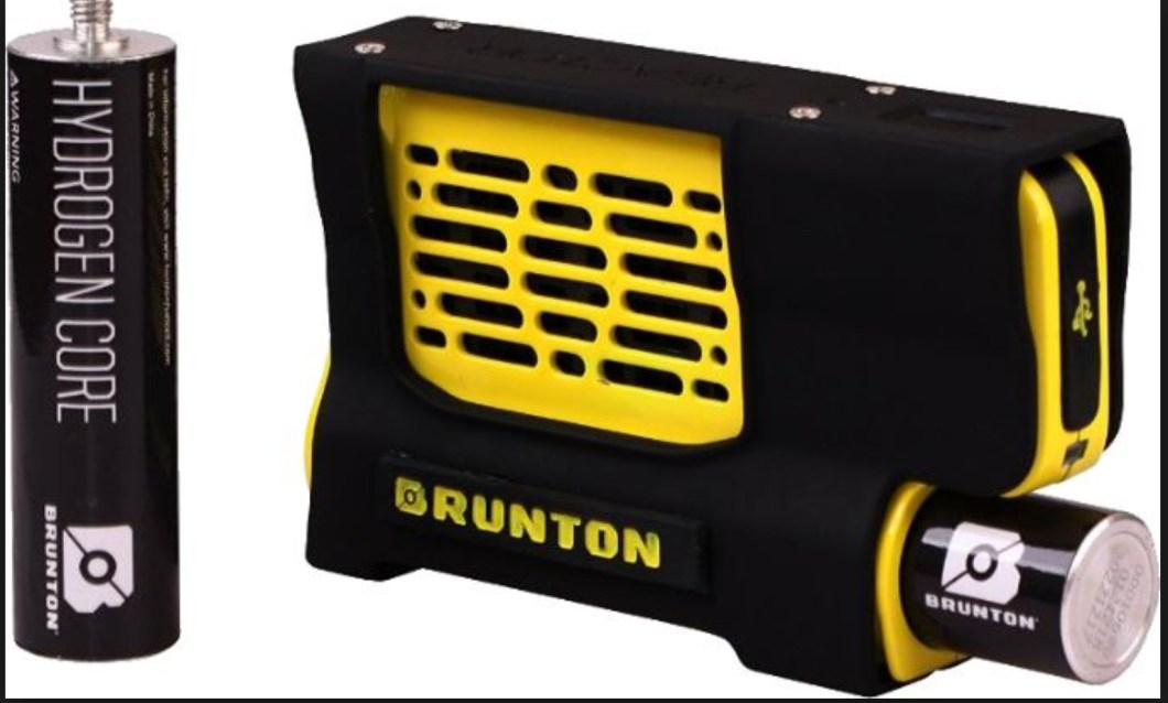 The Brunton Hydrogen Reactor Charges Your Phone or Flashlight With Water