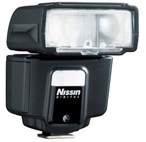 Nissin i40 Speedlite Flash + Batteries/Charger