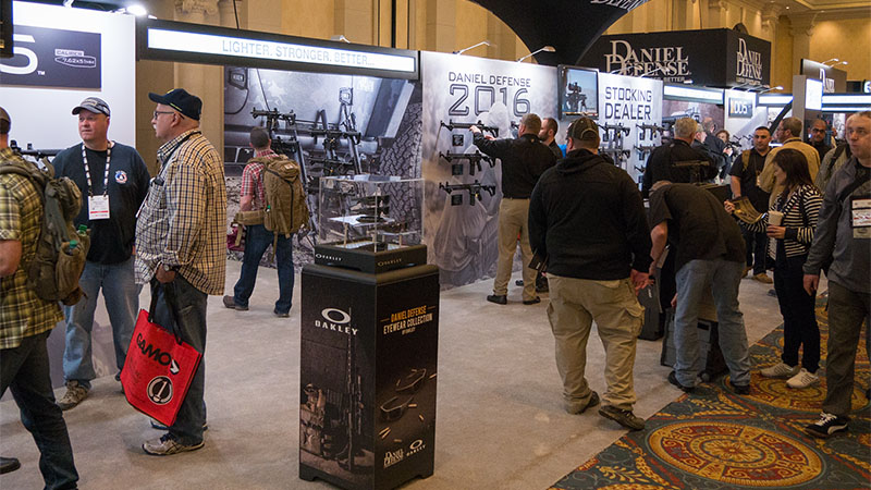 SHOT Show 2016 – Daniel Defense DD5V1 and DDM4ISR