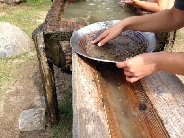 Goldwäsche am Becken - weniger nass