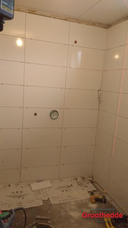 91-de-installatie-van-een-nieuwe-badkamer-in-vaassen-35 ...