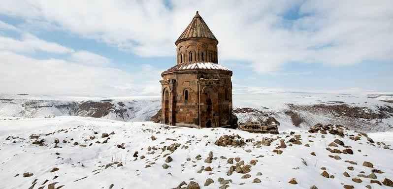 Kars'da Gezilecek Yerlerden Ani Harabeleri