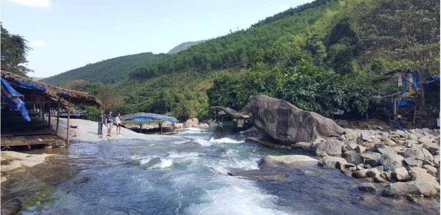 Elephant Rock Hai Van Pass