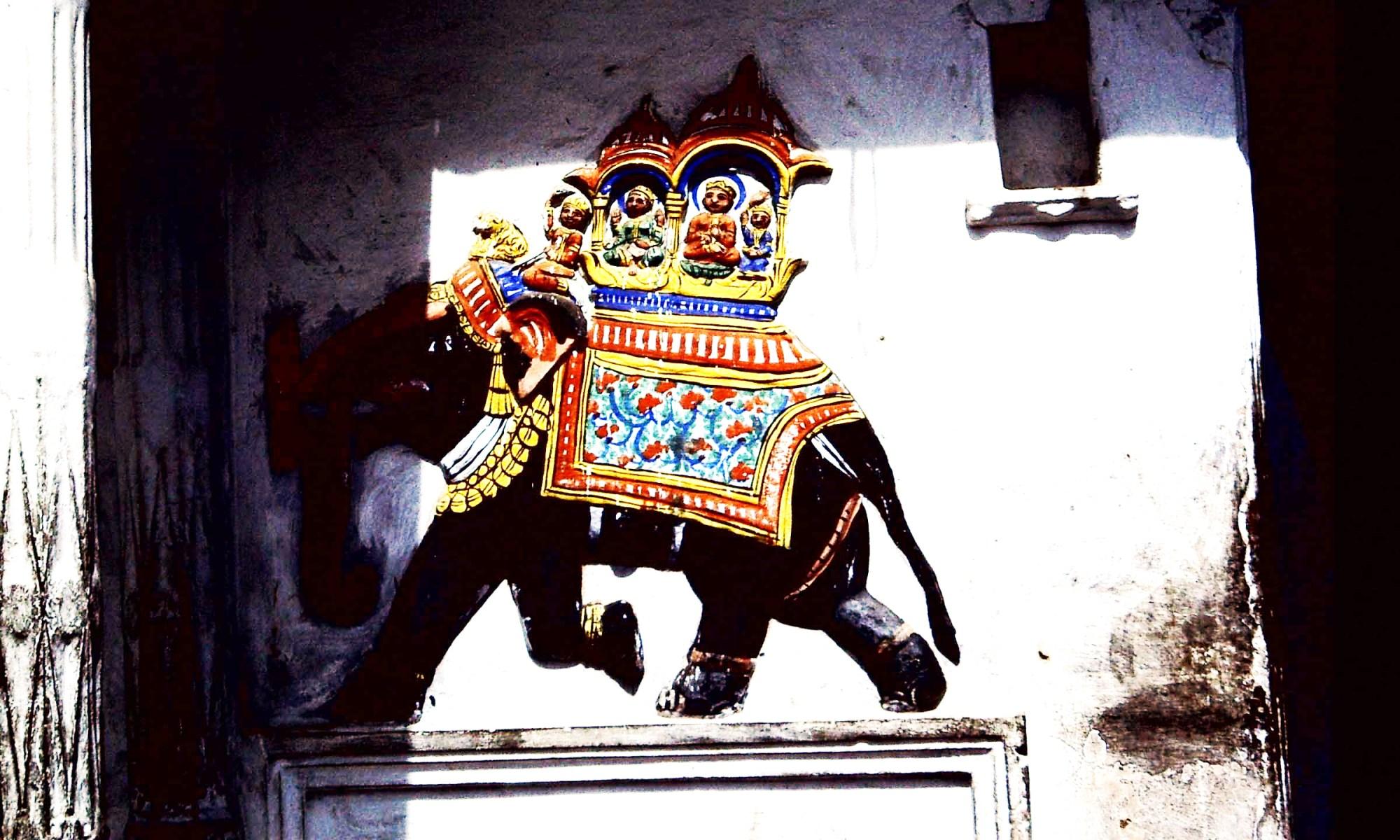 Elefant Udaipur (c)1983 Corinne I.Heitz