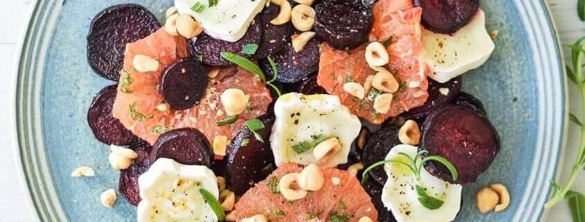 Salat med bagte rødbeder, grape og gedeost