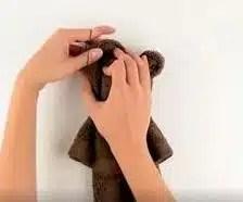 kako-napraviti-medvjedica-sa-rucnikom-6
