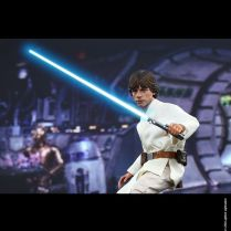 Luke Skywalker Action figure 14