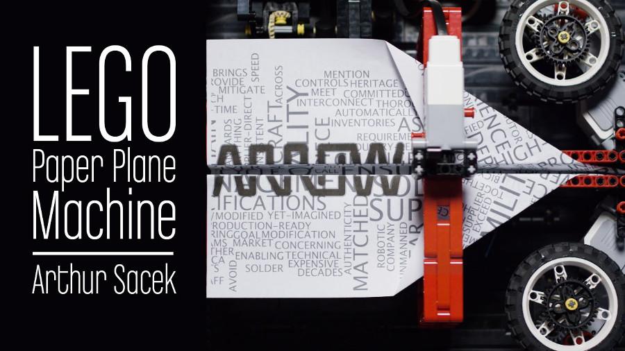 Una macchina di Lego che crea e lancia aeroplani di carta