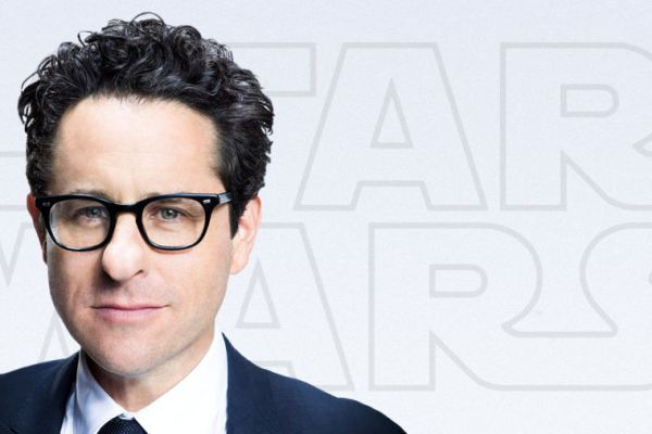 Star Wars: J.J. Abrams non è stato influenzato dai fan, ma spera che saranno soddisfatti