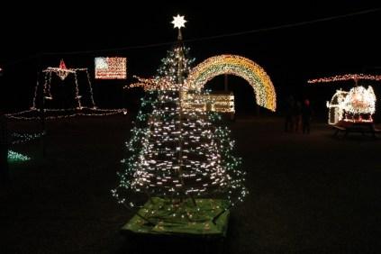 Gilley's Christmas Lights '17 (33)