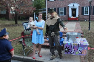 Halloween On Glenwood Terrace 2018 (176)