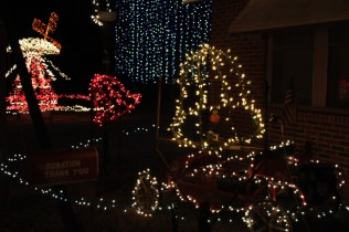 Gilley's Christmas Lights 2018 (21)
