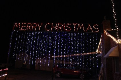 Gilley's Christmas Lights 2018 (31)