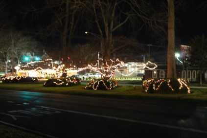Quintard Avenue Christmas Lights 2019 (1)