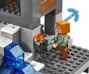LEGO Minecraft 21128 The Village Building Kit