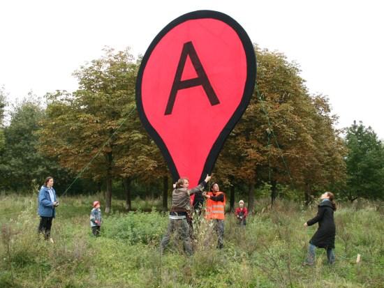 Punaise grandeur nature de Google Map