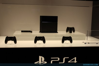 E2013_sony_booth_48
