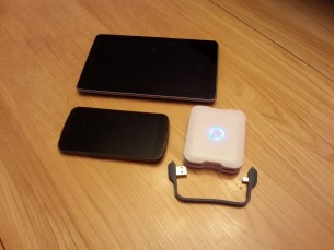 iStore Portable Baterry+   Avec des Nexus (7 + Galaxy)