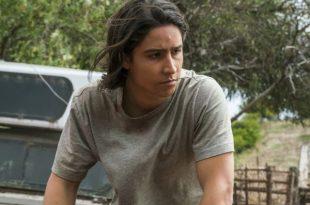 Lorenzo James Henrie as Chris Manawa - Fear the Walking Dead Saison 2 Épisode 13 - Photo Credit: Richard Foreman Jr/AMC