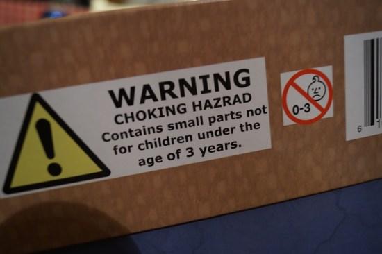 Les avertissements sur la boîte de Four Taverns