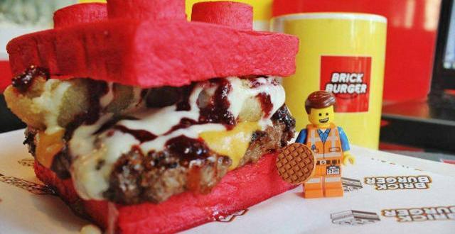 Une brique du Brick Burger. Source: Facebook