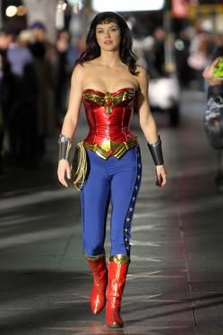 wonder-woman-cosplay-26
