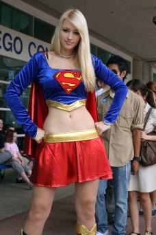 supergirl-cosplay-12