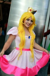 Princess Peach Cosplay 37