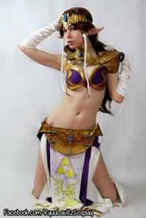 Princess Zelda Cosplay 11